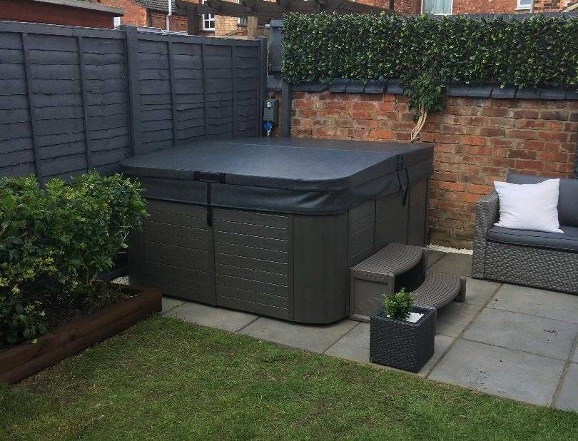 Hot Tub Delivery Market Harborough Leicestershire