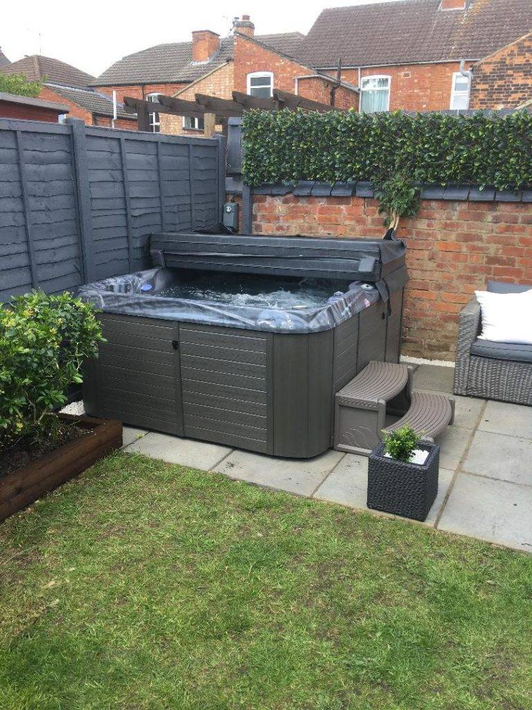 Now that's what you call a perfect hot tub delivery to Market Harborough.